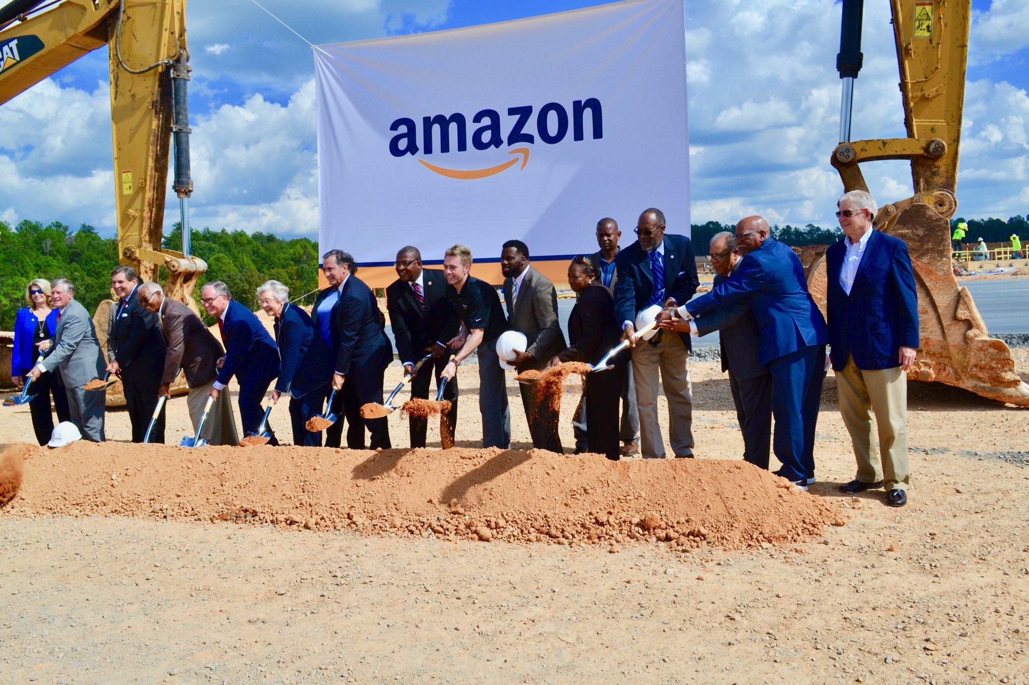 米国amazon配送センター建設工事